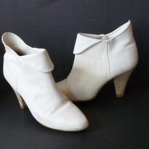 WHITE LEATHER ANKLE shoe BOOT with NEW~HEELS